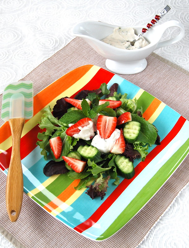 Italian salad with strawberries, cucumbers and mint sause