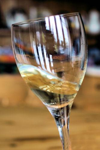 Swirling wine IMG_6785 ch R