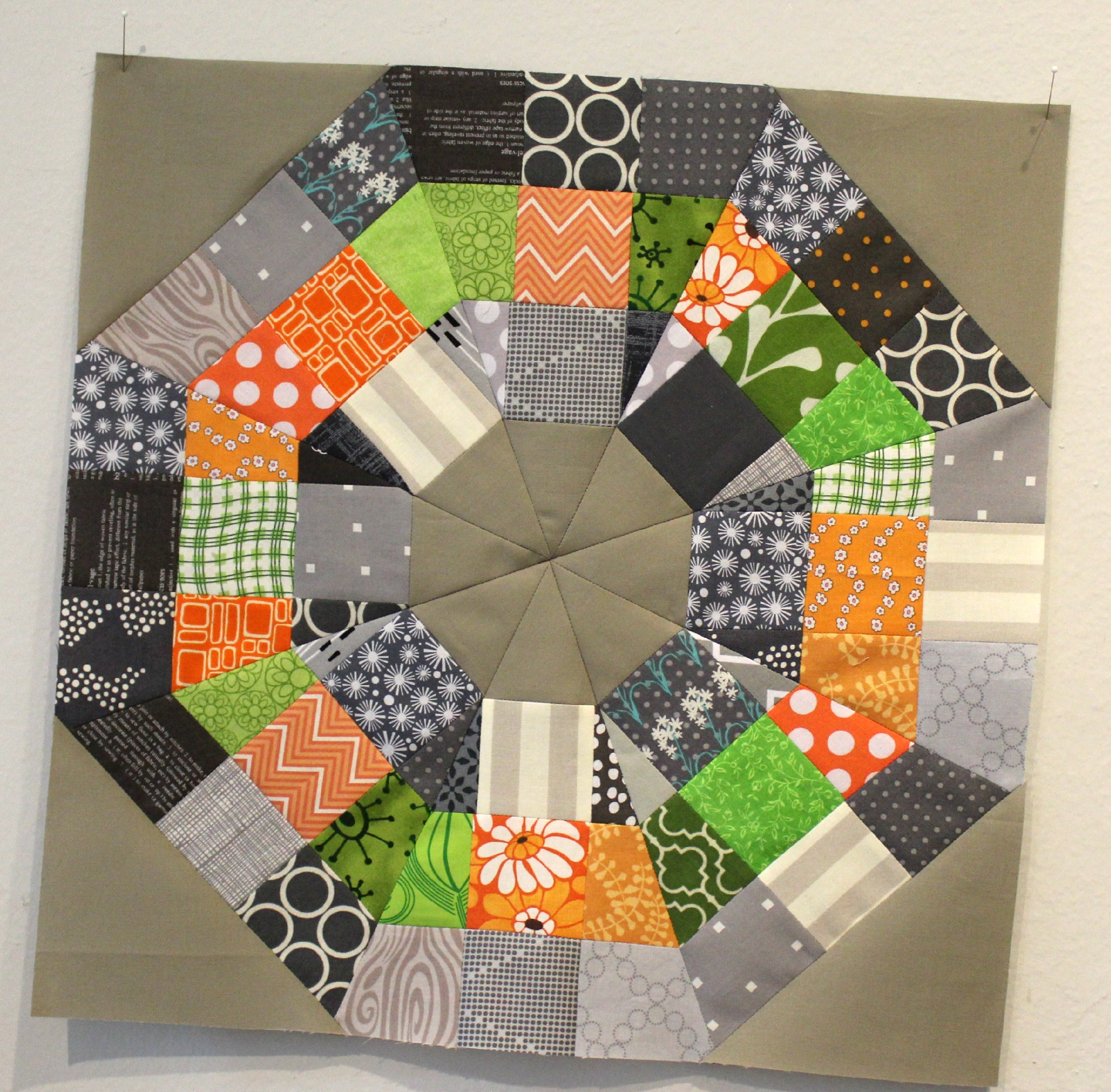 Octagonal Orb quilt block