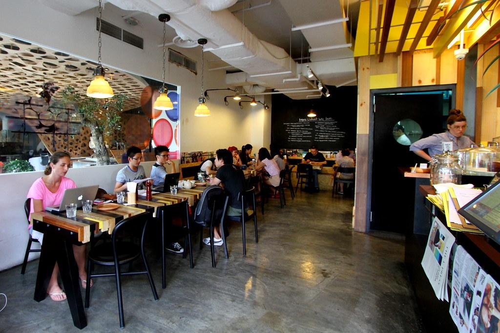 Kith Cafe: Interior