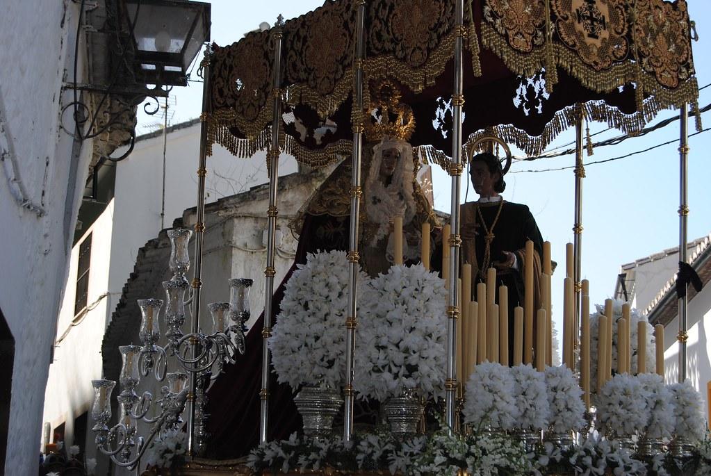 La Virgen de los Dolores y San Juan. Antiguamente, cada figura iba con sus propias andas. FOTO: ÁNGEL MEDINA LAÍN