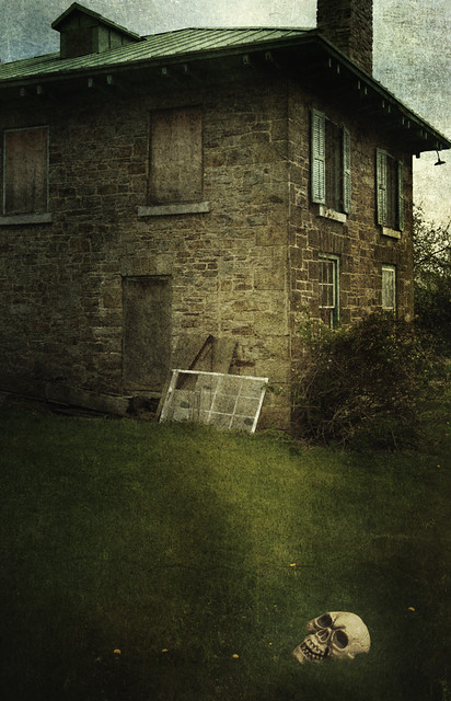 Haunted House With Skull In Front Yard | Flickr - Photo Sharing!