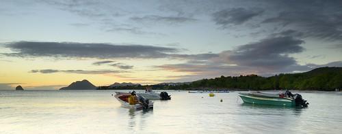 light sunset beach vacances holidays lumière martinique bateaux soir plage rocherdudiamant sainteluce leefilters filtreslee ansecorpsdegarde