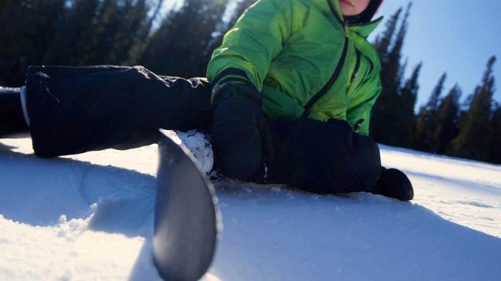 Alpine skiing with kid
