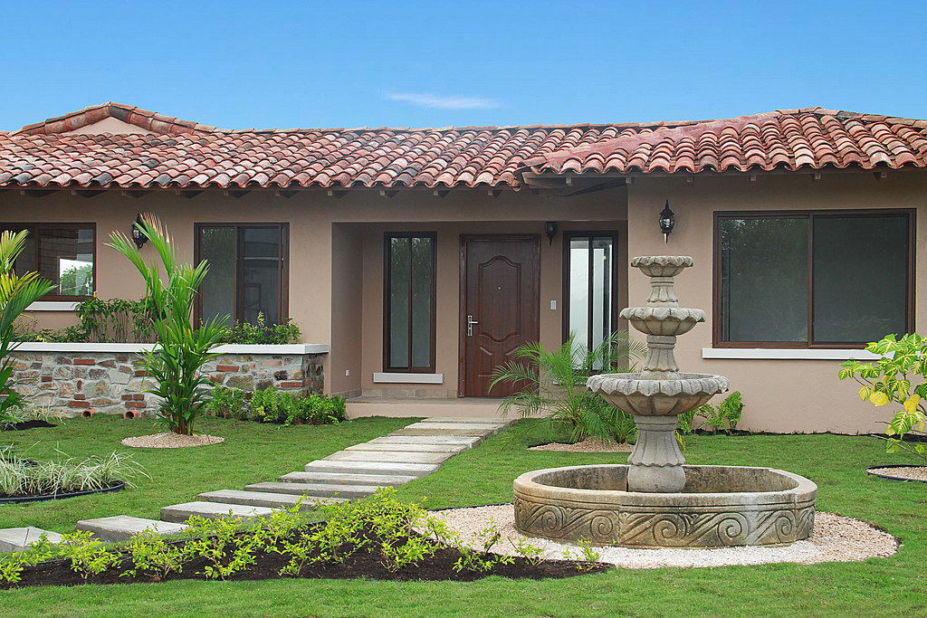 Cubita Panama Casa Modelo Chitre