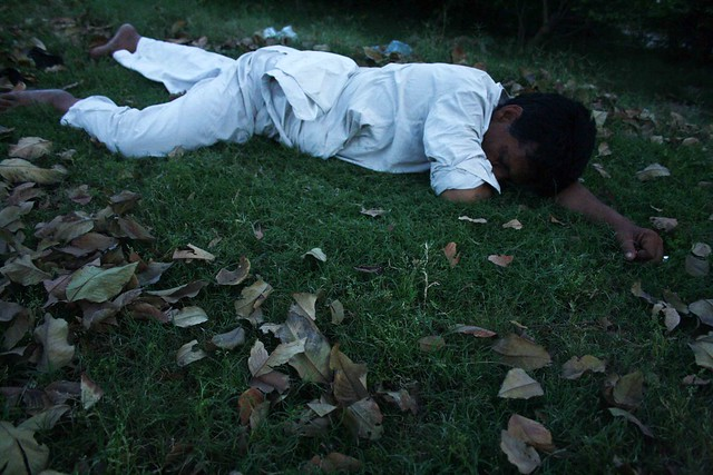 Photo Essay – A Sleeping Man, Outside Humayun's Tomb
