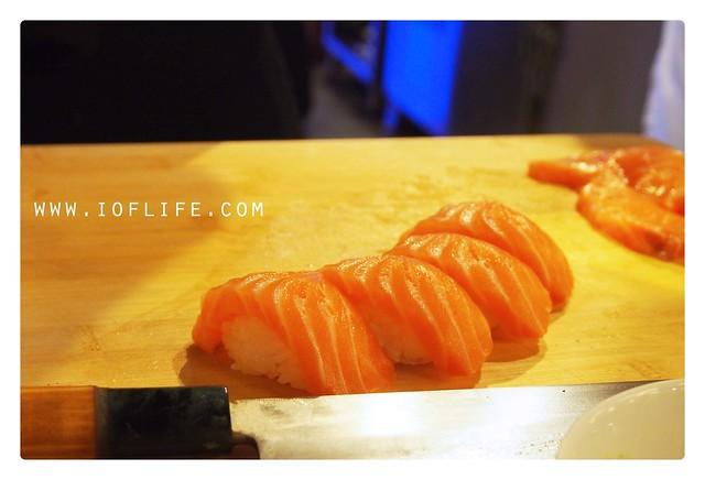 salmon sushi umaku