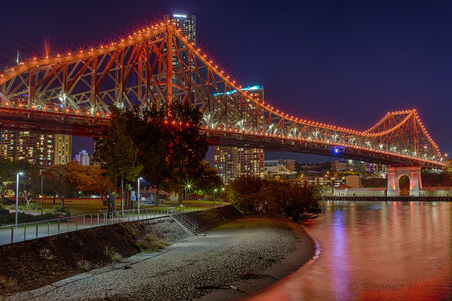 Story Bridge lit up for National Science Week