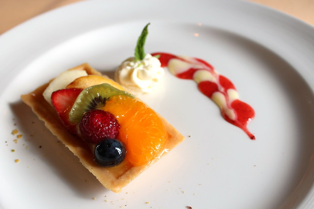 Fresh Fruit Tarlet with whipping cream