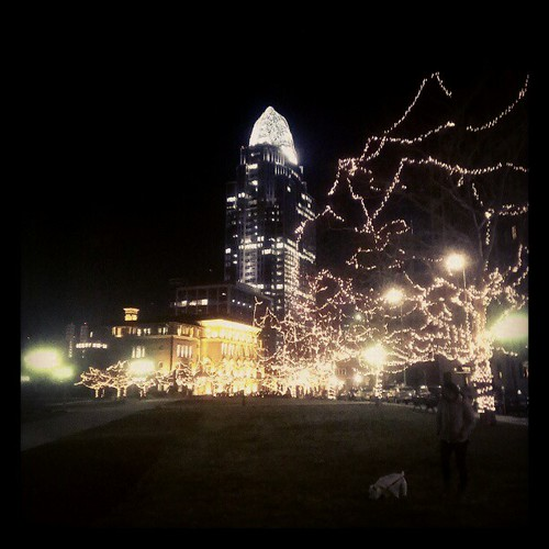 Oscar and @genmae5 on a nighttime stroll through Lytle Park @DowntownCincy