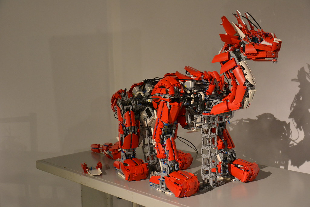 Τα Θαυμαστά LEGO NXT! - Σελίδα 2 8482886461_6fe8879922_b