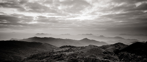 world china city travel sky blackandwhite bw hk cloud mountain nature monochrome sunrise landscape ed hongkong countryside blackwhite twilight nikon asia zoom foggy peak wideangle nikkor 香港 f4 vr afs newterritories lenses morningmist zoomlens f4g 1635mm 霧 山頂 taimoshan 大帽山 fmount vibrationreduction vr2 vrii wideanglezoom 大霧山 nanocrystalcoat afsnikkor1635mmf4gedvr 1635mmf4gvr