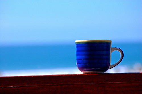 Café junto al mar by Domingo Mery