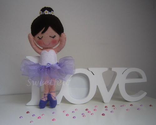 ♥♥♥ Uma bailarina para a Kloe que mora la longe em Cazanovia, NY... by sweetfelt \ ideias em feltro