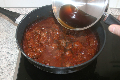 37 - Wildfond nachgießen / Add more venison stock