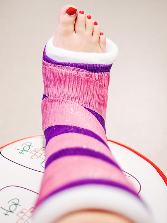 pink_purple-striped-cast