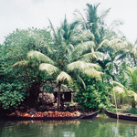 kerala_backwater_boat_pots