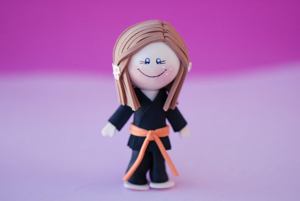 Karateka cinturón naranja