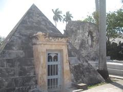 2013-01-cuba-370-havana-cementerio la reina