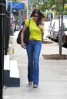 Sofia Vergara Flared Jeans Celebrity Style Women's Fashion