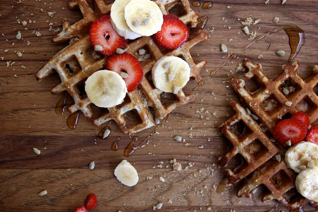 whole grain waffles with millet and poppy