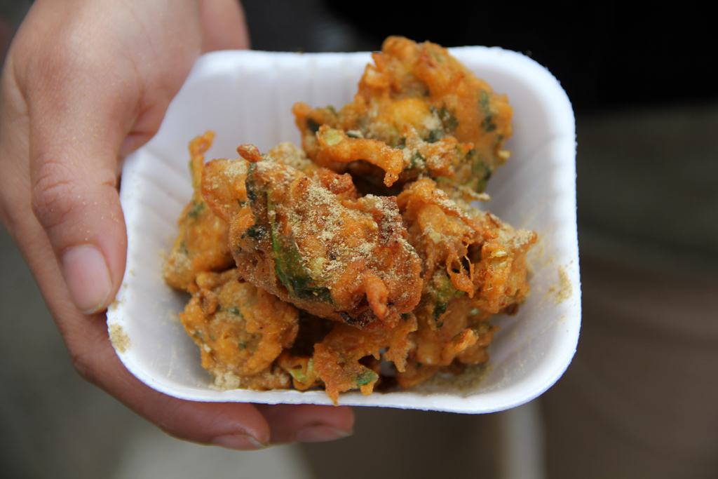 Deep fried pakoras
