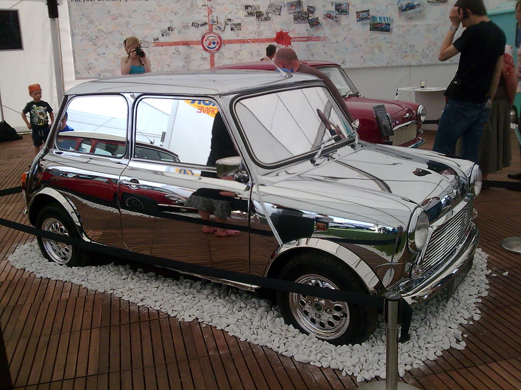 David bowie s chrome mini at imm 09 1