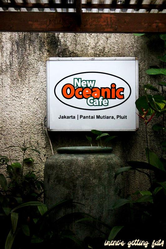 oceanic-signage