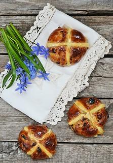 cross buns