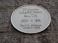 Photo of William Robertson Smith yellow plaque