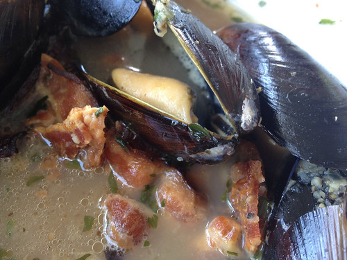 Mussels with bacon and beer broth