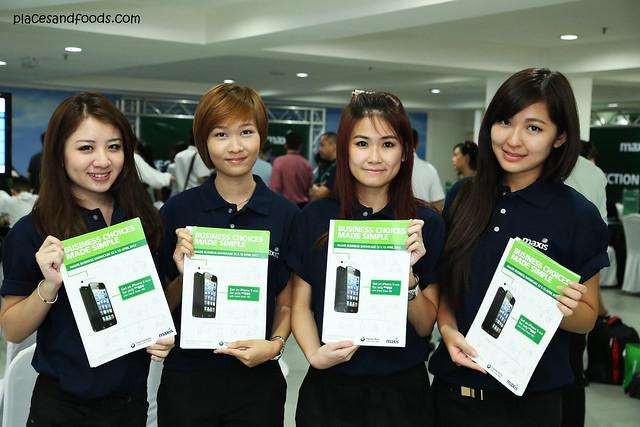 Maxis Business Showcase 12 & 13 April Ingress Auto girls