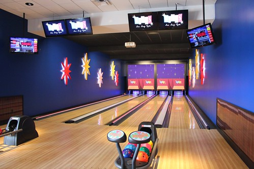 Kings Bowl Orlando on International Drive