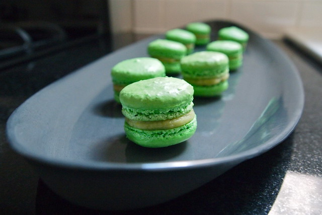 Avocado-lemon macarons