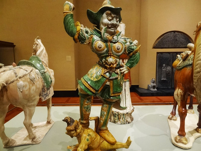 chinese-funerary-figures