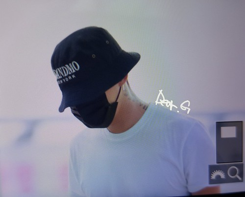 BIGBANG Departure Seoul Incheon to Foshan 2016-06-10 (25)