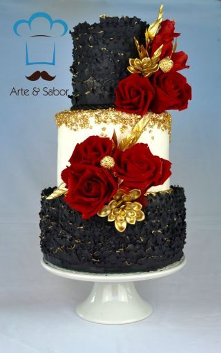Black, Red and Gold … Fabulous by Arte y Sabor