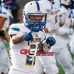 Clemens' Kyle Lewis (26) pointing to be best  man. OK3Sports coverage from the football game between the MacArthur Brahmas and the Clemens Buffaloes played in San Antonio, TX. on Friday, September 2, 2016. Clemens defeated MacArthur 47-6. #ok3sports #foot