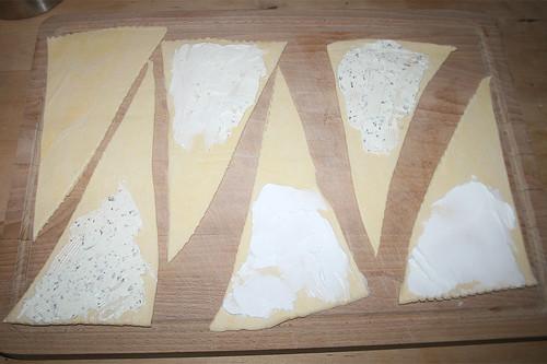 08 - Mit Frischkäse bestreichen / Spread with cream cheese