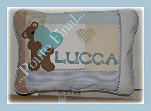 ...Almofada em patchwork personalizada... by Ponto Final - Patchwork