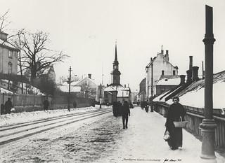 Innherredsveien med Bakke kirke (1915)