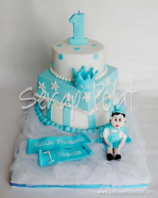 Kral 1 yaş pastası