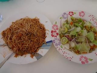 Prato de comida num restaurante em Berbera