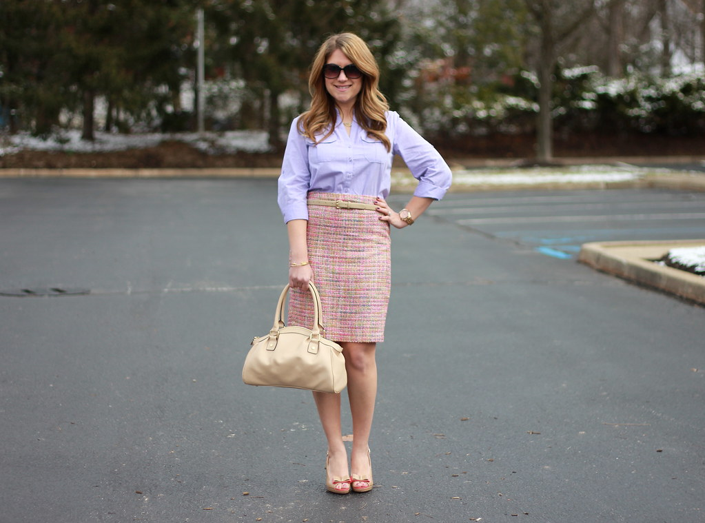 lady like style at the office: pink tweed pencil skirt