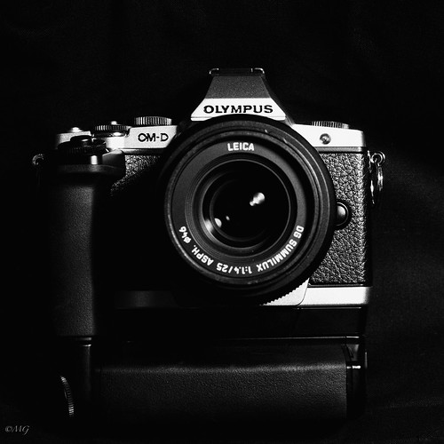 E-M5 pris avec Hasselblad / E-M5 taken with Hasselblad by M9ike