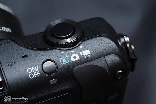 Canon_EOS_M_intro_05