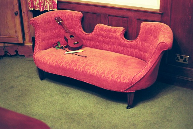 Chaise longue definition meaning for Chaise longue rose fushia