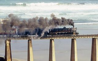 Outeniqua Choo Tjoe es el último tres de vapor operativo que queda en África.