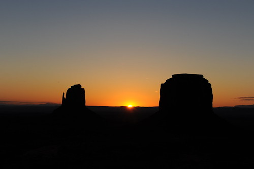 Sunrise @ Monument Valley