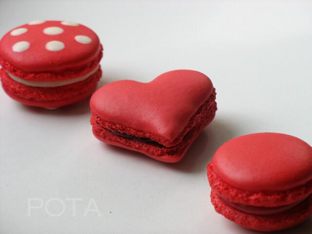 St Valentin Macarons
